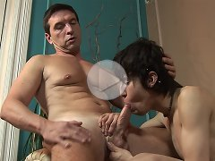 FLASH !!! The artsy twink's hole is too tight for his older lover's magnificently thick shaft